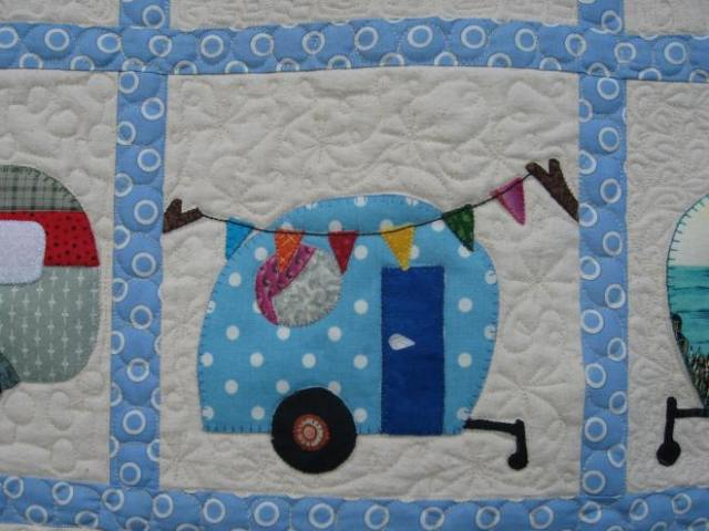 lydia & Eli, caravan cot quilt 021