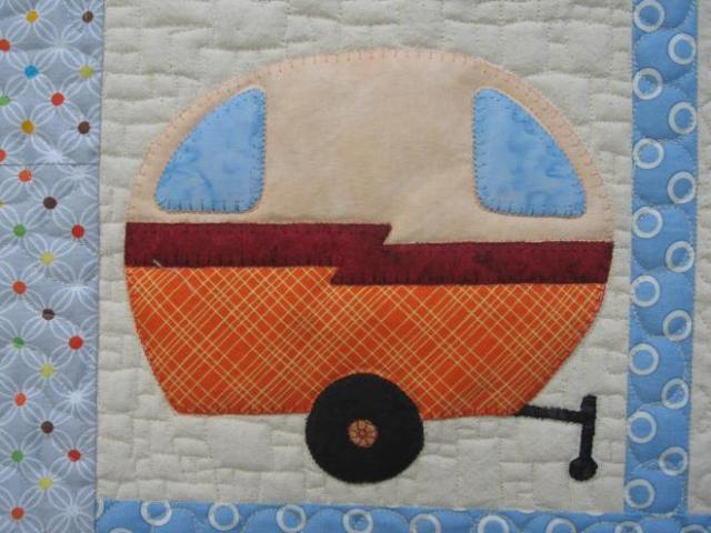 lydia & Eli, caravan cot quilt 029